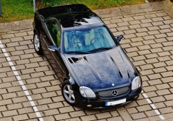 Tryg kørsel på de danske veje med et forrude-kamera